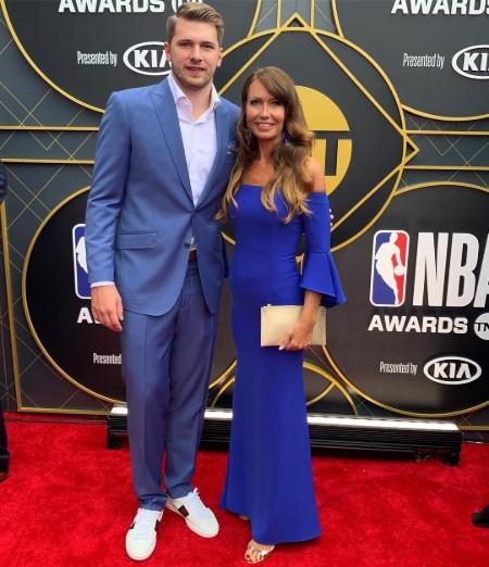 Mirjam with her son Luka at the NBA awards 2019(Photo Mirjam's Instagram)