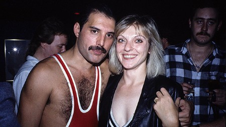 freddie-mercury-with-mary-austin