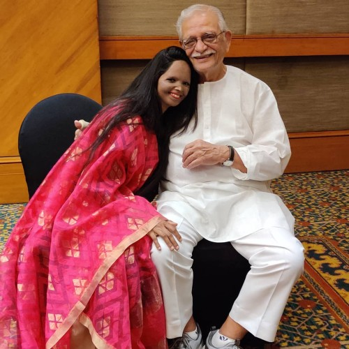 Laxmi Agarwal with Gulzaar Shahab