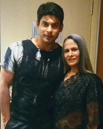 Siddharth-Shukla-with-his-mother