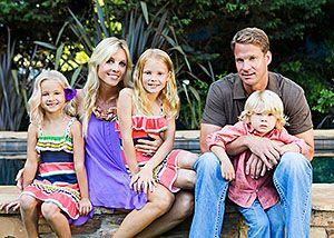 Layla Kiffin with children