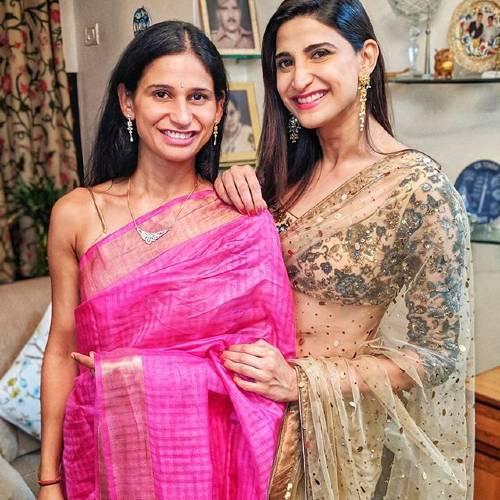Aahana kumra with his Sister