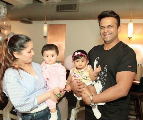 RJ Siddharth Kannan Wiki: Brother, Age, Wife, Net Worth ...