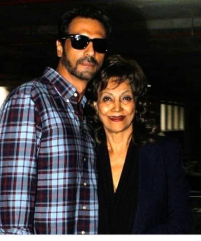 Arjun Rampal with Mother Gwen Rampa