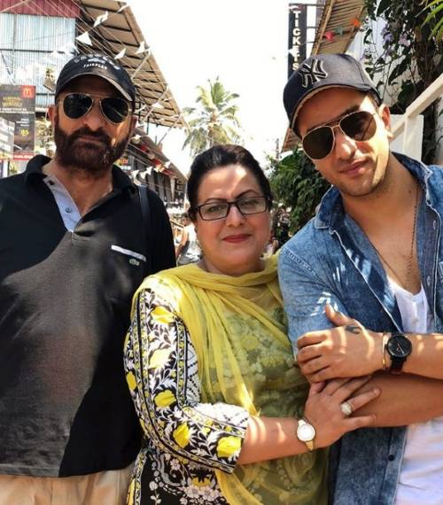 Aly Goni with his Parents