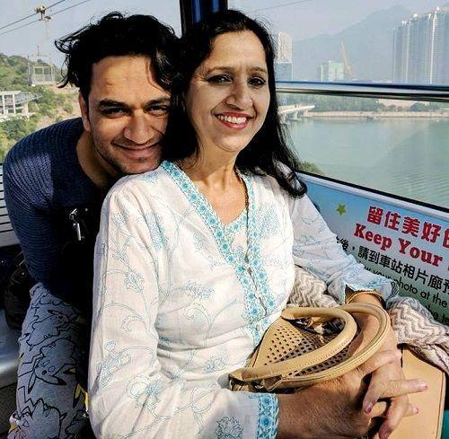 Vikas-Gupta-with-his-mother-Sharda-Gupta