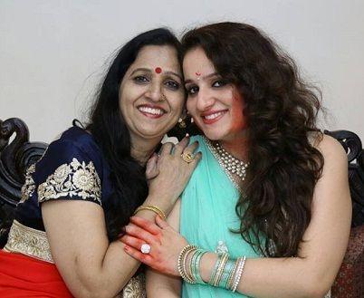 Vikas-Guptas-mother-and-sister